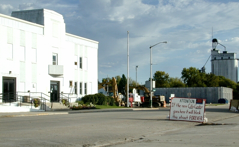 Left Right And Center >> Downtown Roseau, MN Street Construction